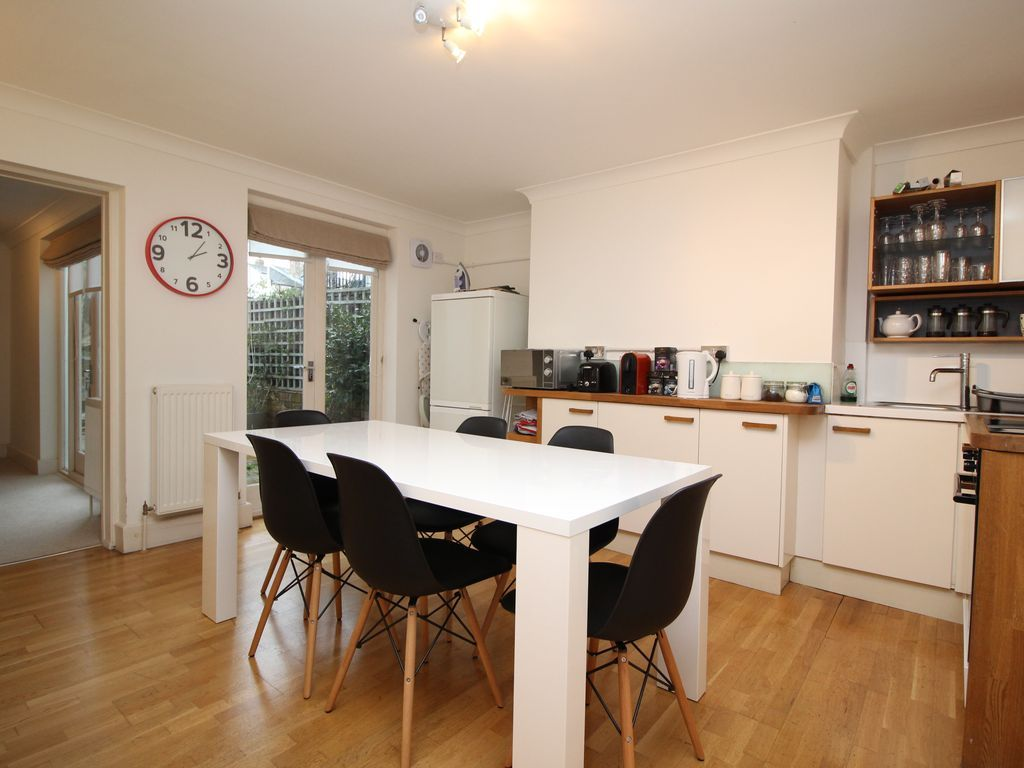 Property for 6 people in Cheltenham
