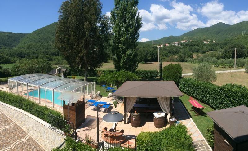 Apartamento vacacional con piscina