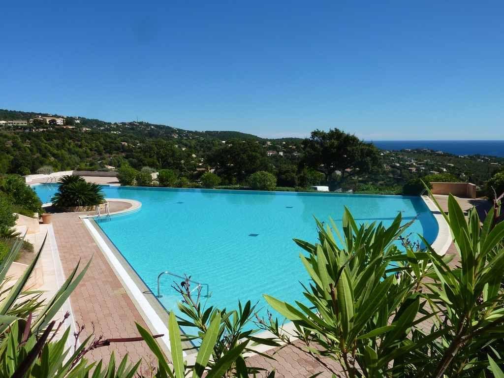 Apartamento en Les issambres  con piscina