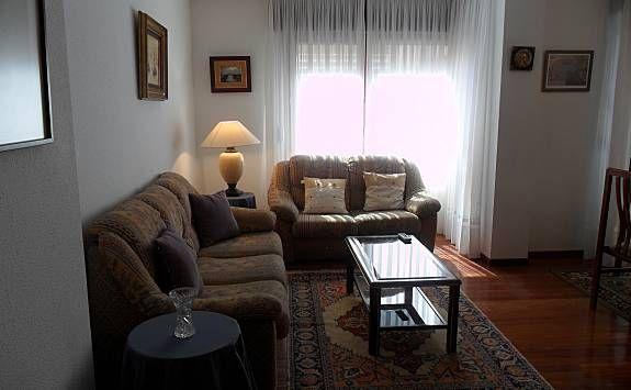 Alquiler con estilo de 3 habitaciones en Laredo
