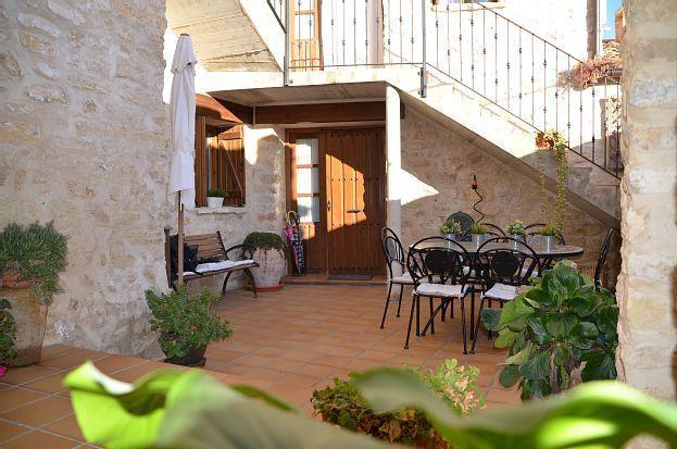 Residencia con jardín para 10 huéspedes