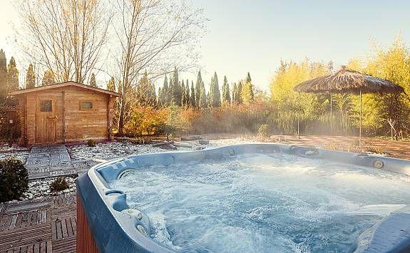 Masía catalana con sauna, jacuzzi y piscina