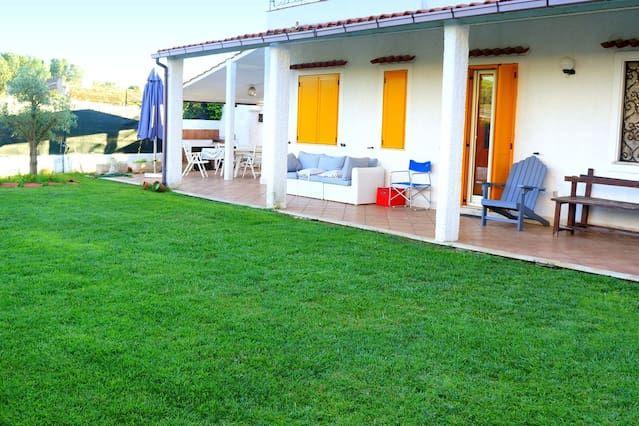 Villa INVIAGGIO (pool and wi-fi)