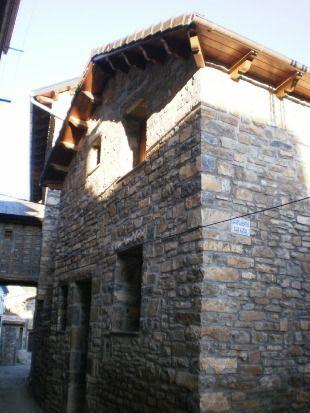 Casa de 4 habitaciones en Broto