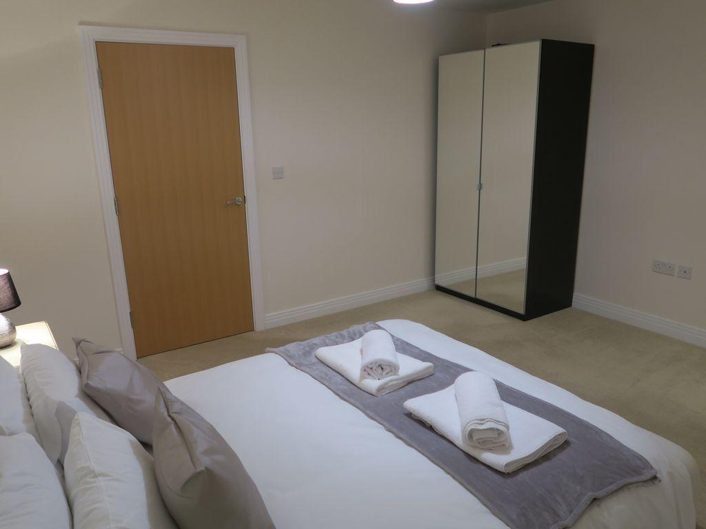 Alojamiento de 2 habitaciones con parking incluído