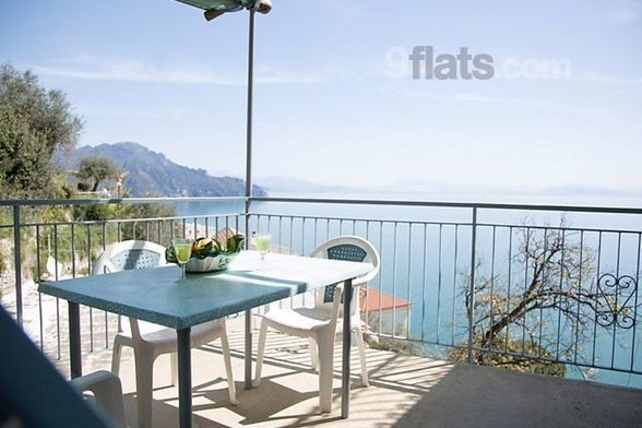 Alojamiento con balcón de 70 m²
