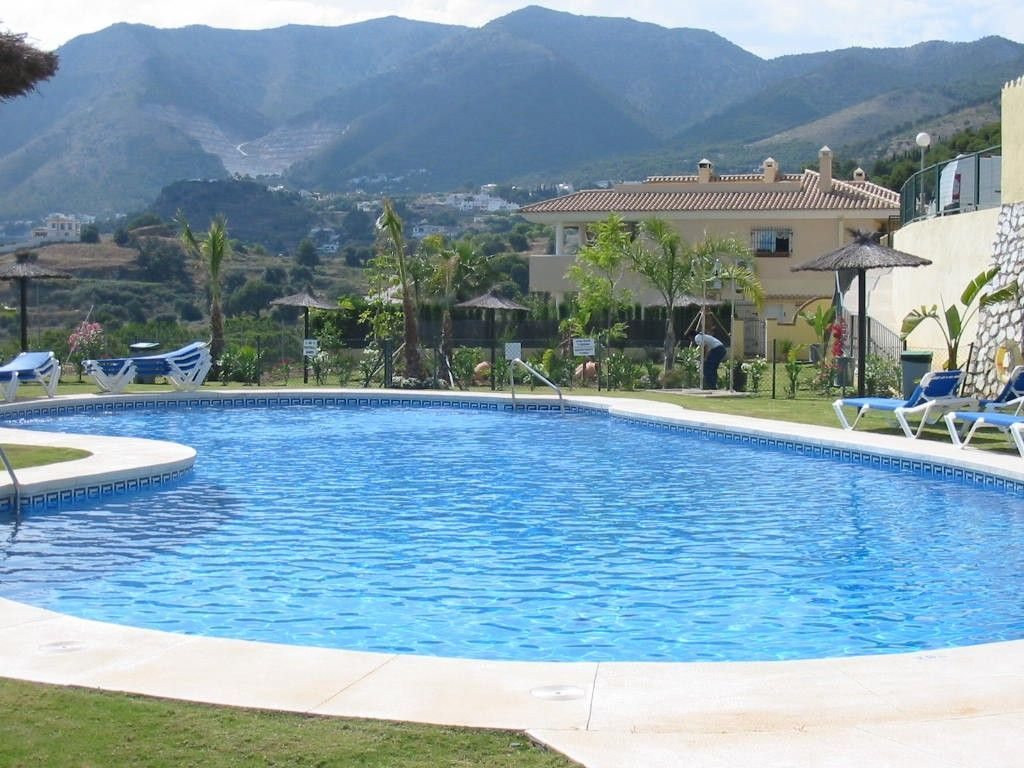 Central holiday rental in Costa del sol with Cable TV and Bed linen and towels