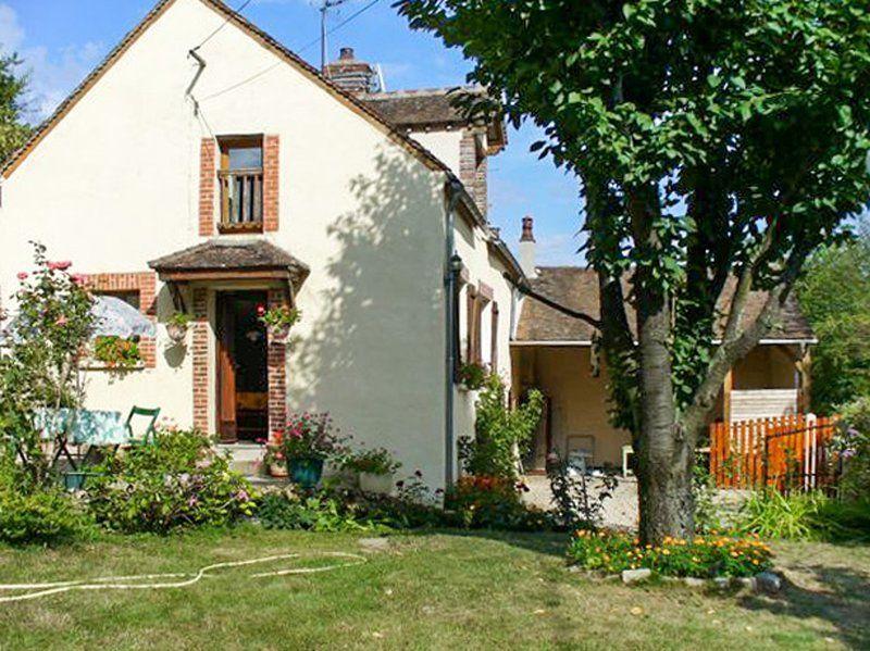 Casa provista en Villeneuve-sur-yonne