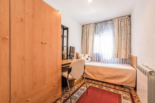 Apartamento/ piso à Alcobendas, en casa de Cornelia