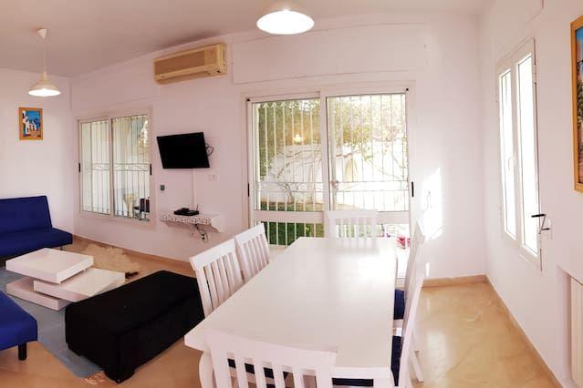 Funcional casa para 8 huéspedes