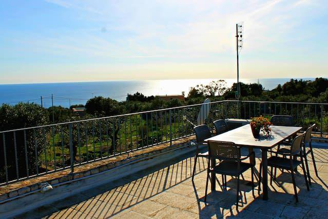 Adorable Casa con 1 dormitorio(s) en Santa Maria di Leuca con Aire acondicionado, Aparcamiento y Terraza