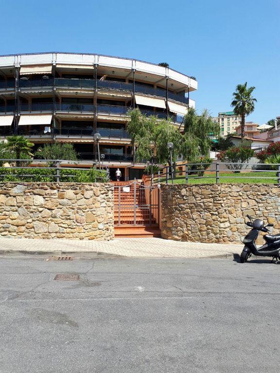 Panorámico alojamiento con parking incluído