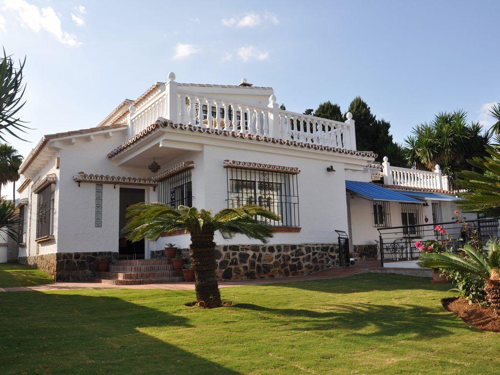 Holiday rental of 5 bedrooms in Benalmádena