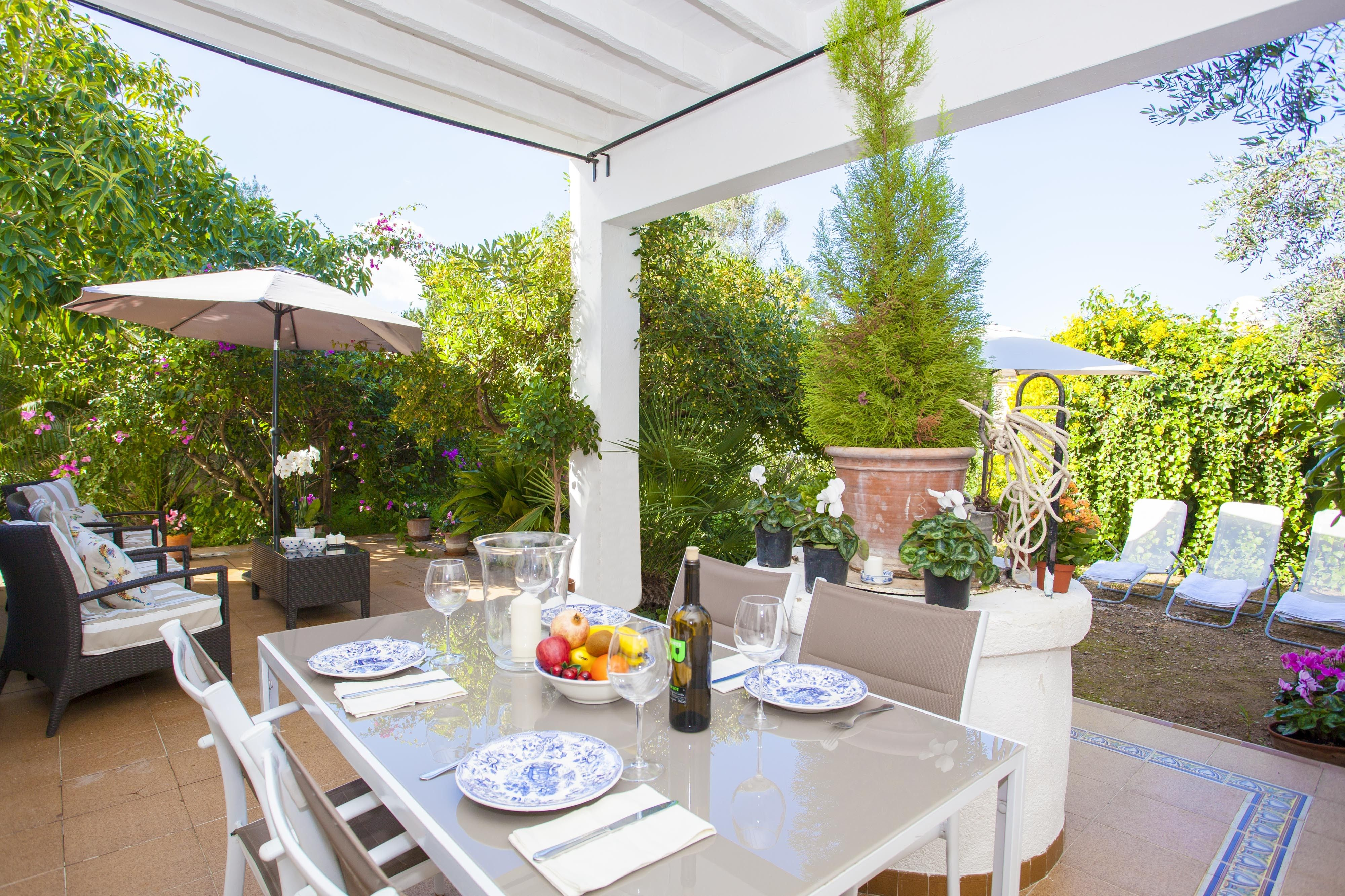 Panoramic holiday rental for 6 guests