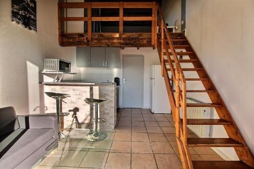 Logement de 1 chambre avec balcon