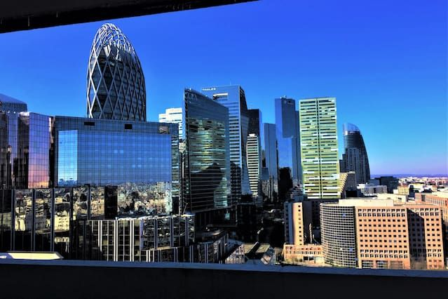 Paris La Defense - Grand T2 with stunning balcony views