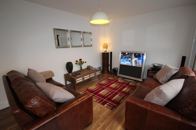 Luxury Town Centre Apartment 2