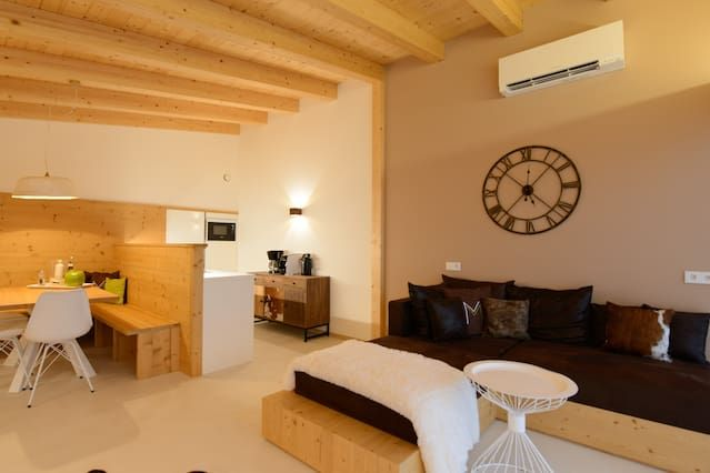 Moar Lodge- Modern Apartments