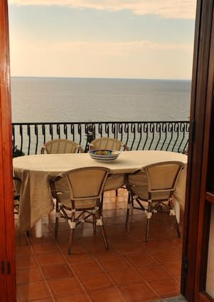 Piso con balcón de 3 habitaciones