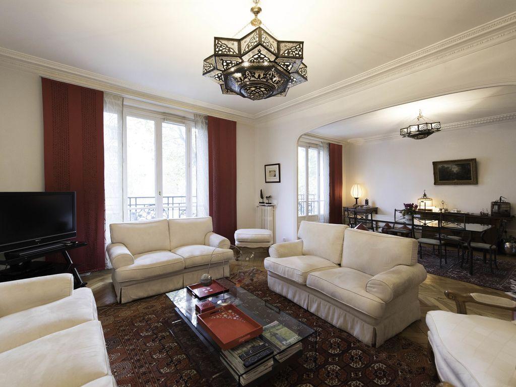 Chaleureux logement à Paris