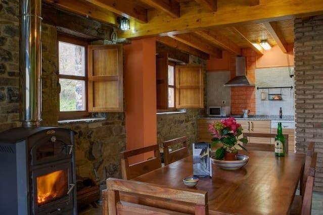 Alojamiento con jardín de 9 habitaciones