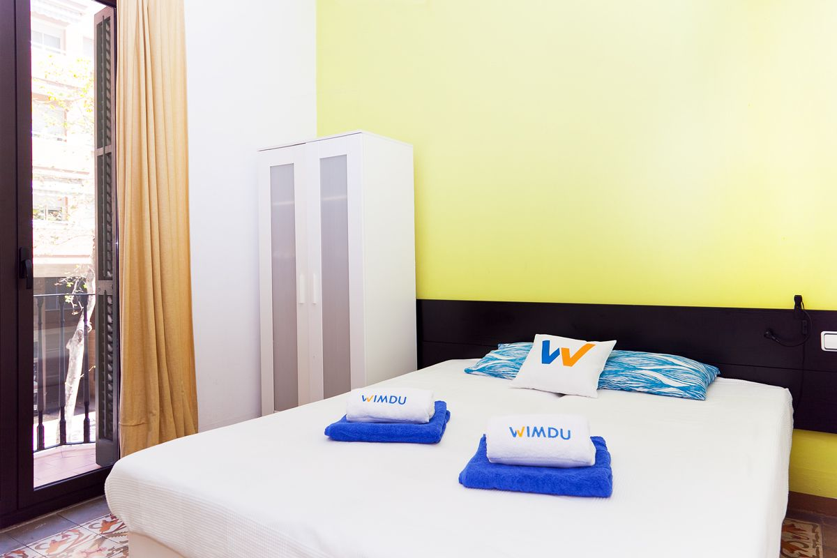 Picturesque accommodation with  Cot in Barcelona