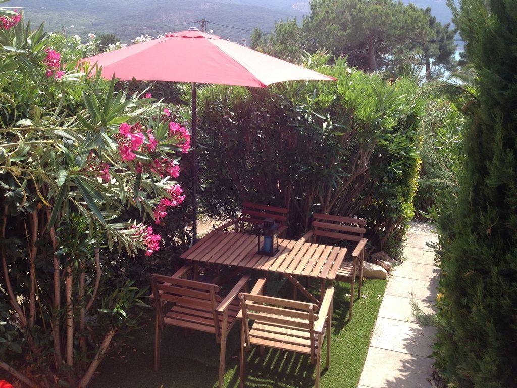Hébergement avec jardin à Calcatoggio