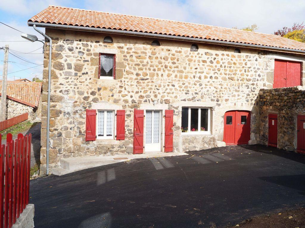 Casa en Coucouron con jardín