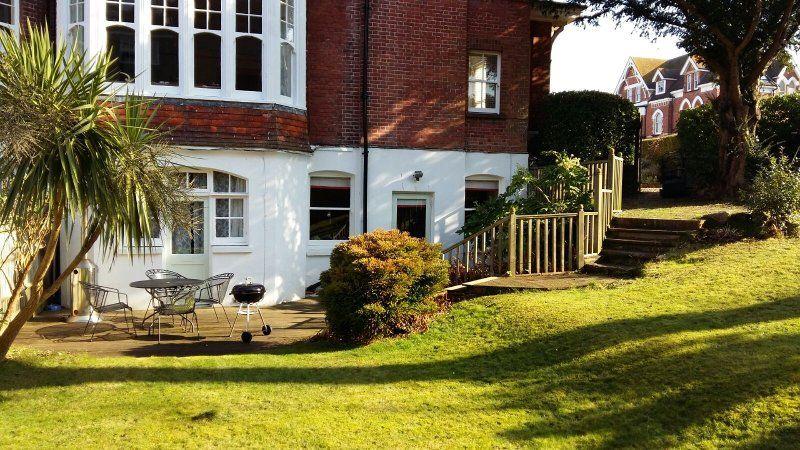 Garden View Apartment- Stunning spacious property