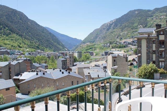 Apartamento 6 Pers / Alquilado  por  dia / Encamp Andorra / WIFI / Perros  OK .
