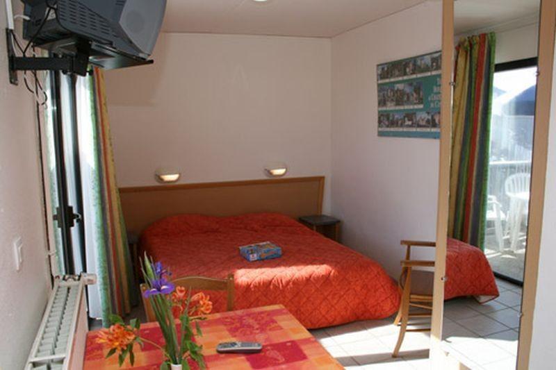 Vivienda en Saint-jacques-des-blats de 1 habitación