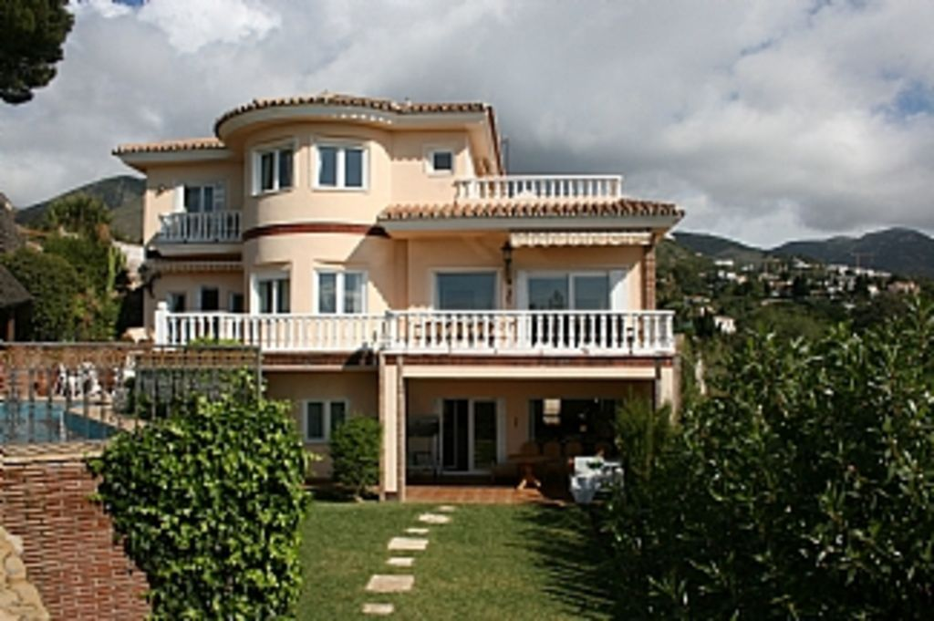 Holiday Apartment in Benalmádena with  Pool