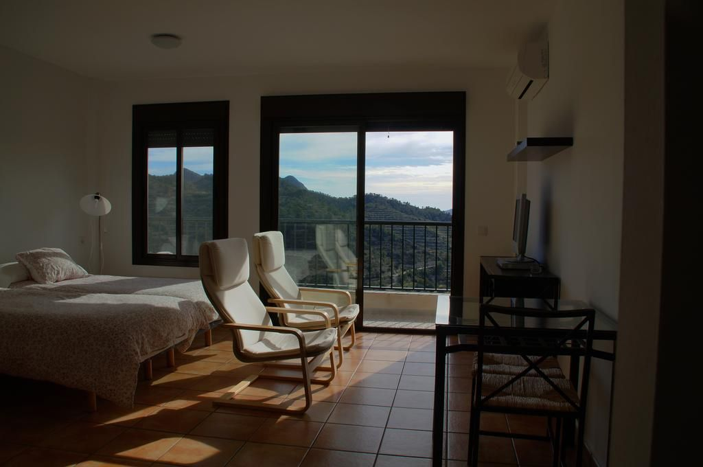 With views property with 5 rooms