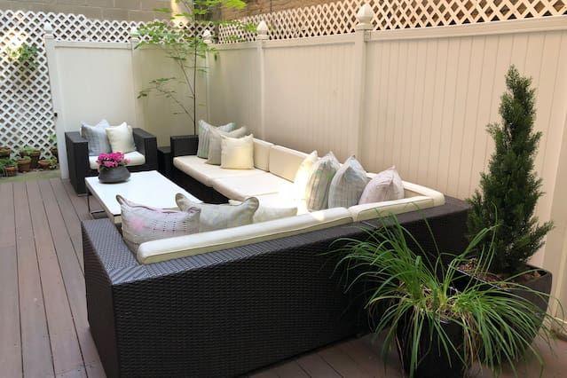 Chelsea luxury 2 bedroom garden apt - Two Bedroom Apartment, Sleeps 4