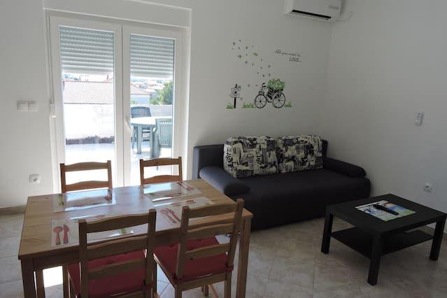 Appartement de 2 chambres à Zadar