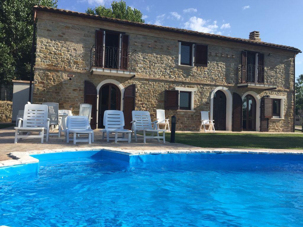 Provista residencia en Castiglione messer raimondo