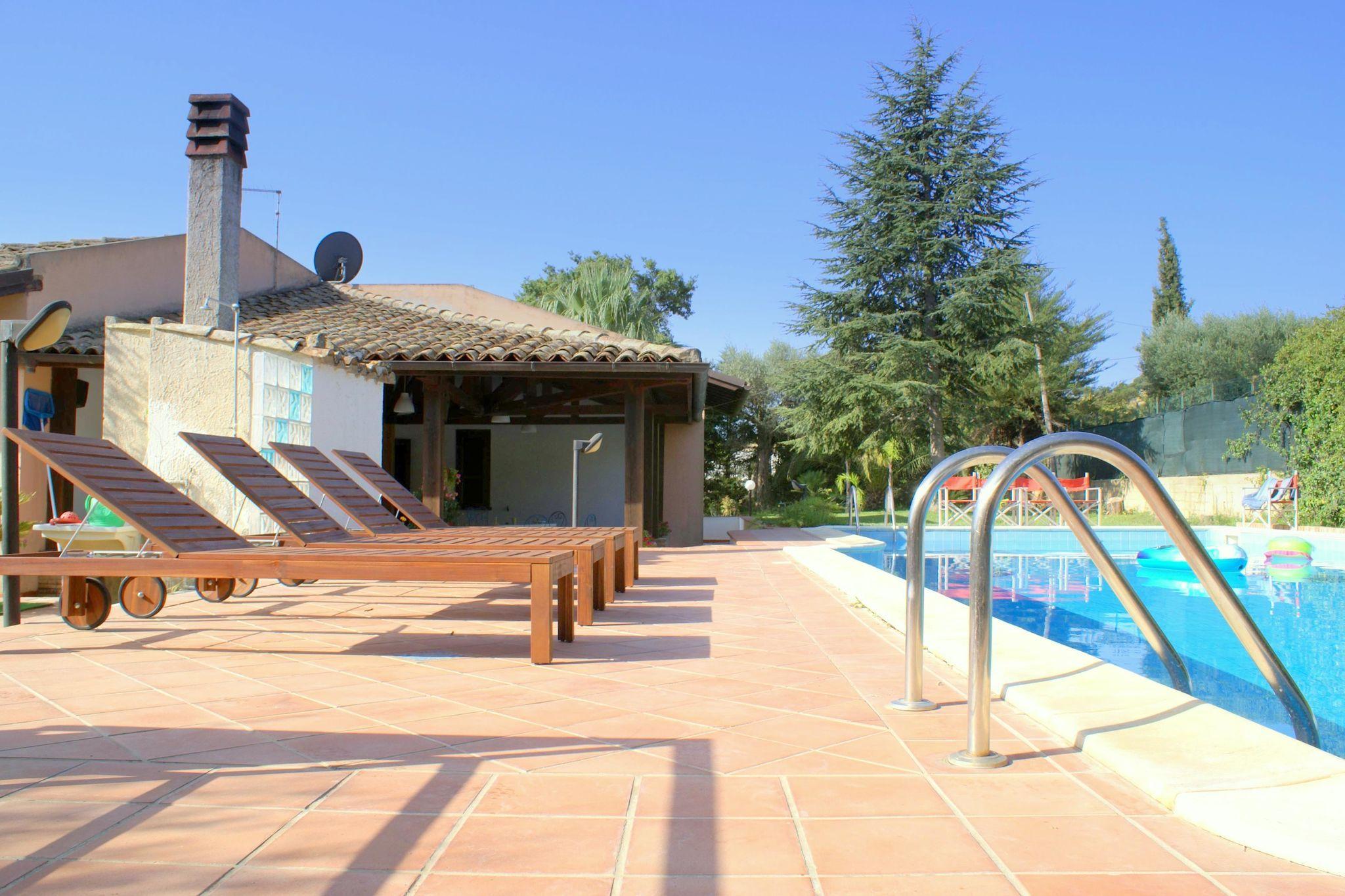 Casa con piscina para 6 huéspedes