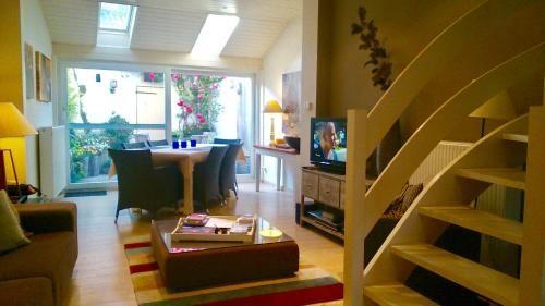 Eingerichtete Residenz mit 1 Zimmer