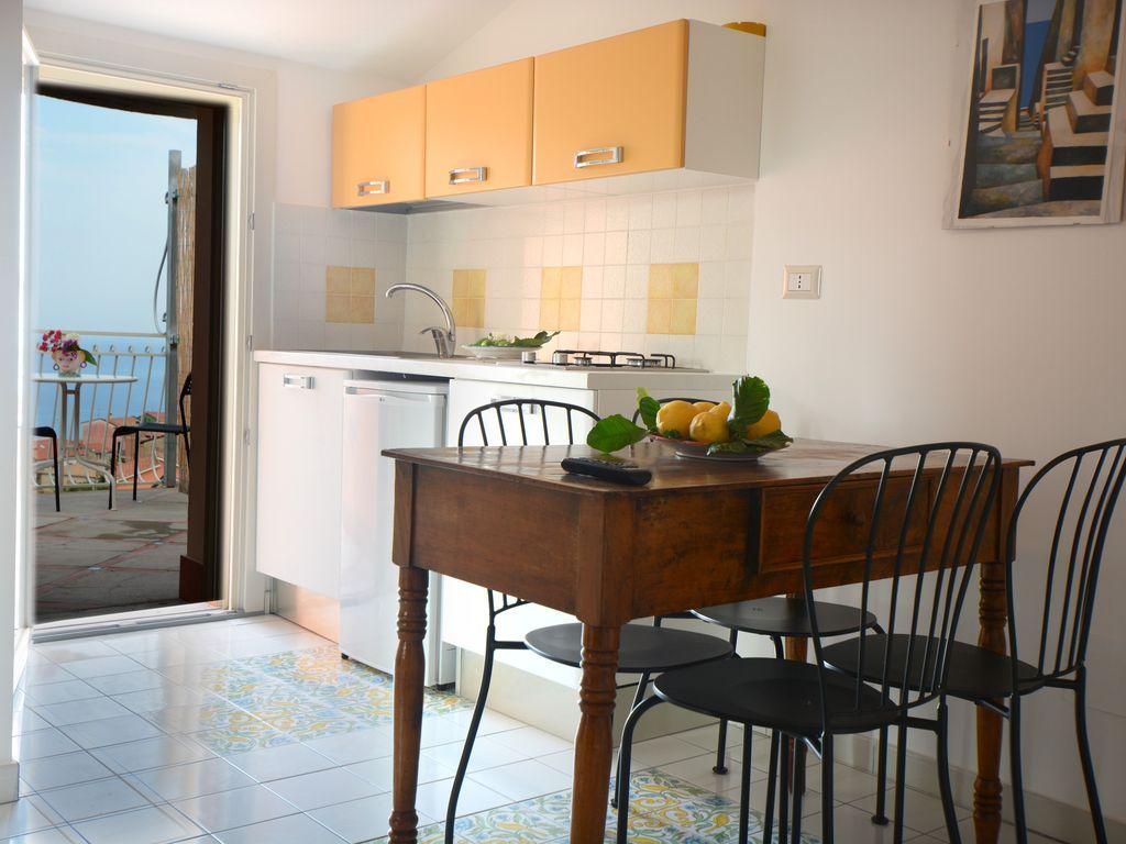 Residencia con balcón para 4 huéspedes