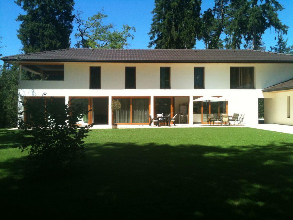 Residencia con jardín en Sciez