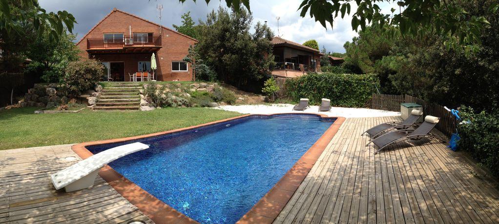 Casa unifamiliar con piscina, ideal familias, se aceptan mascotas. HUTB-013989