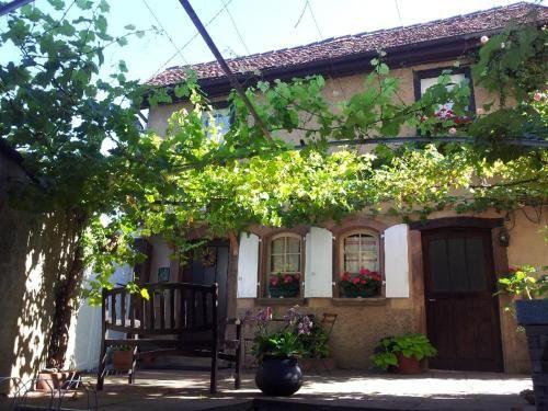 Casa en Mittelbergheim con balcón