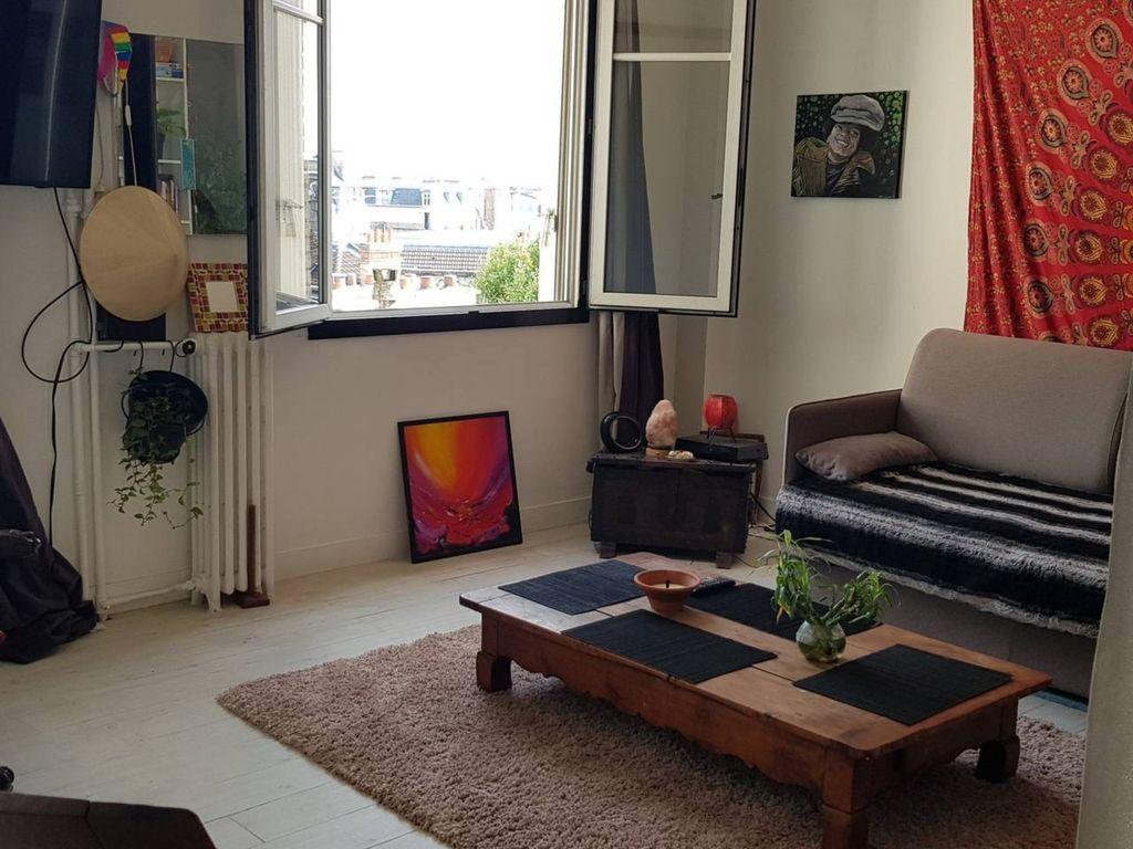 Logement à Paris à 2 chambres