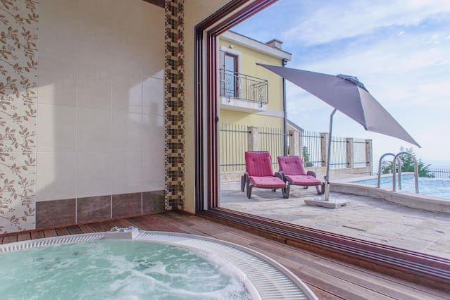 Alojamiento en Budva con balcón
