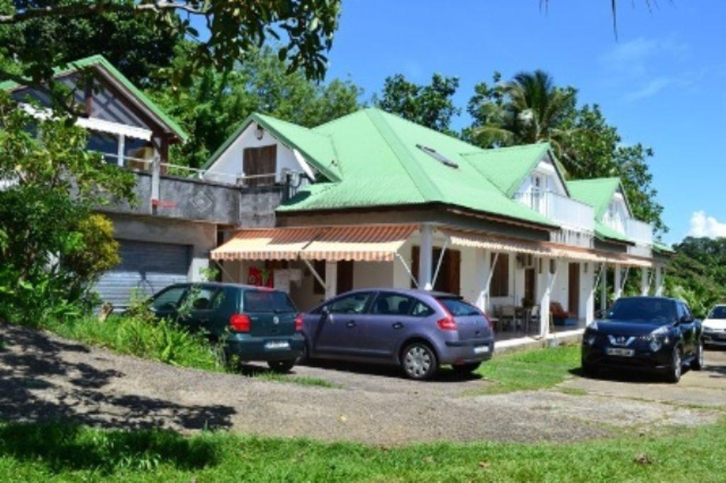 Alojamiento en Petit-bourg de 2 habitaciones