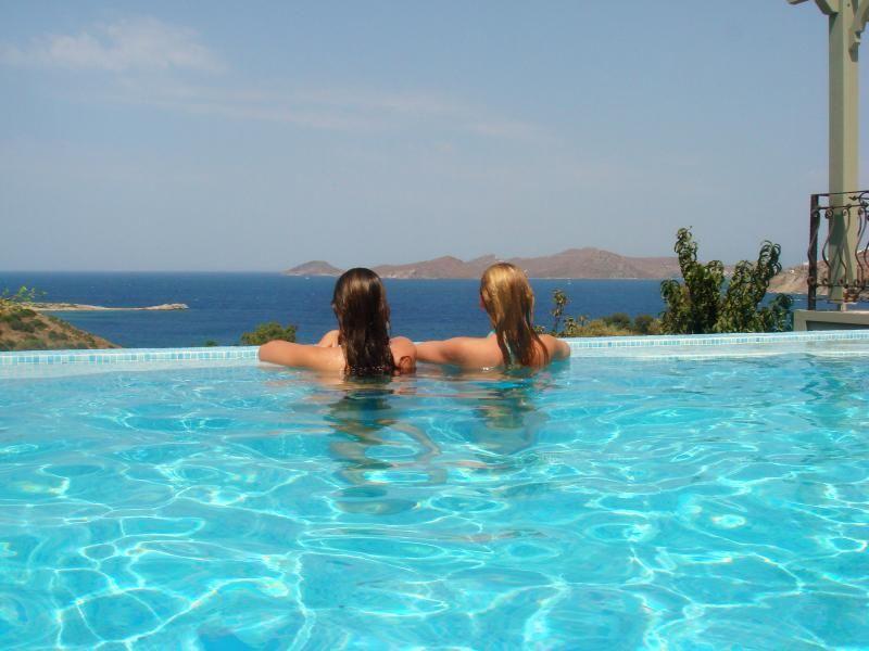 Alojamiento con piscina en Gumusluk