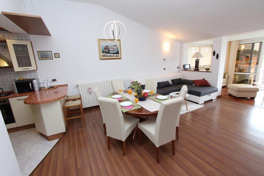 Wohnung auf 110 m² in Rovinj