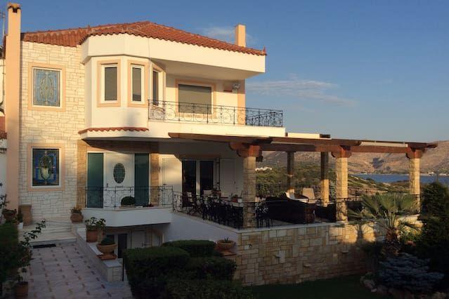 Alojamiento para 8 huéspedes en Saronida