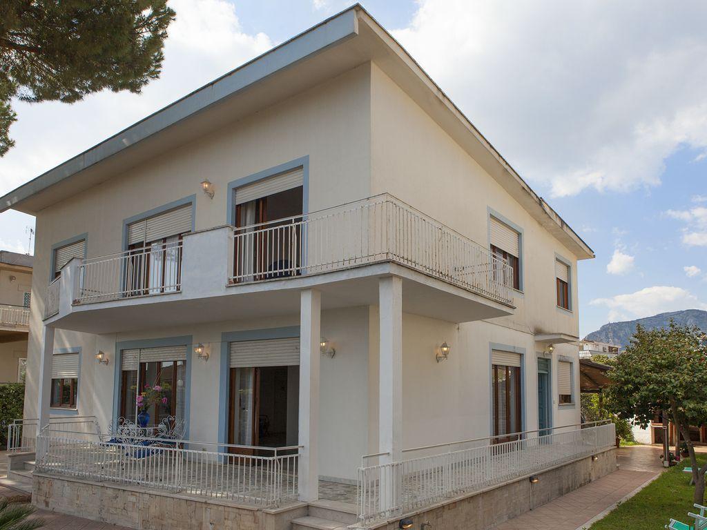Vivienda de 320 m² para 15 personas