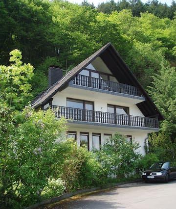 Enjoy the Moselle Valley in apartment Kräuterhaus
